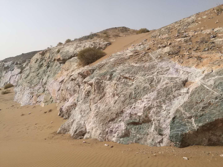 内蒙古阿拉善大型优质萤石矿矿权转让